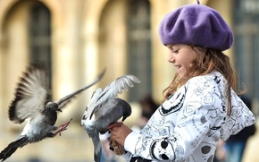 Picture birds, children, smile, widescreen, bird, Wallpaper, mood, hat, dove, blur, pigeons, girl, wallpaper, walk, widescreen, ...