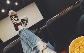 Picture girl, feet, black, sneakers, popcorn, popcorn, ripped jeans