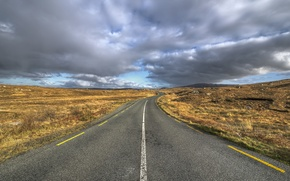 Picture road, field, clouds, horizon, gray clouds
