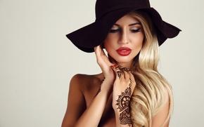 Picture hat, evening, tattoo, hair, blonde, makeup, henna