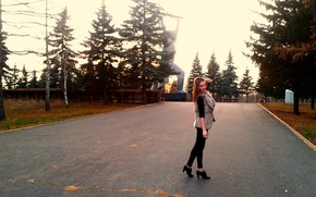 Picture Omsk, light, brown hair, trees, sweetheart, beautiful, girl, The evening