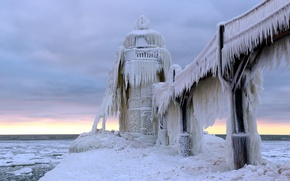 Picture sea, lighthouse, ice