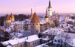 Picture Estonia, Tallinn, The hole in the roof :)