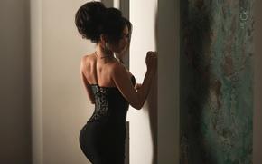 Picture girl, back, skirt, brunette, beads, corset, Photographer, Stepan Kvardakov
