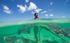 Picture girl, the ocean, the situation, rays, the Polynesia