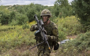 Picture weapons, soldiers, Canadian Army