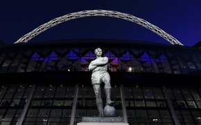 Picture football, London, monument, statue, Bobby Moore, Wembley stadium