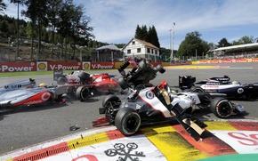 Picture McLaren, Crash, Lotus, Crash, Ferrari, Belgium, Formula 1, Williams, Clean, Clash