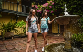 Wallpaper fountain, girls, smile, walk