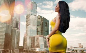 Wallpaper skyscrapers, sexy, figure, home, yellow, the city, hairstyle, makeup, Roman Polyanchev, photographer, dress, girl, brunette, ...