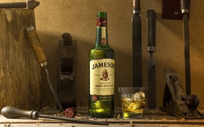 Picture ice, glass, bottle, alcohol, instrumento, whiskey, file, bit