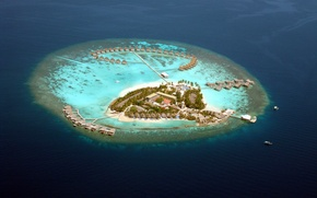 Picture the ocean, island, Atoll, the hotel