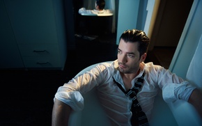 Picture bath, shirt, actor, Jonathan Silver Scott