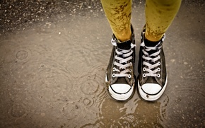 Picture rain, puddle, laces, gaze, Sneakers
