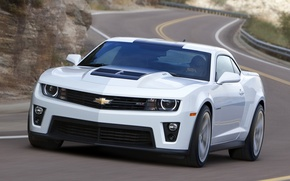 Picture road, white, coupe, Chevrolet, muscle car, camaro, chevrolet, the front, Muscle car, Camaro, zl1