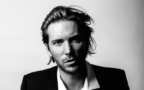 Picture photo, black and white, actor, musician, singer, Troy Baker, Troy Baker, dubbing