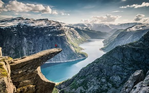 Picture Norway, Kung Fu, The Troll's Tongue, Trolltunga