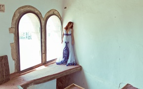 Picture girl, face, house, wall, dress