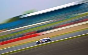Picture The Toyota TS040 Hybrid, Alexander Wurz, SIlverstone GP