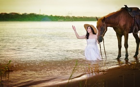 Picture squirt, smile, lake, horse, horse, dress, Asian