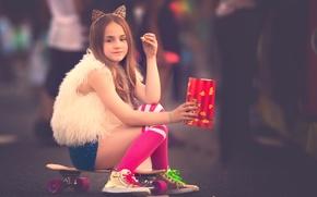 Picture girl, knee, Meg Bitton, popcorn