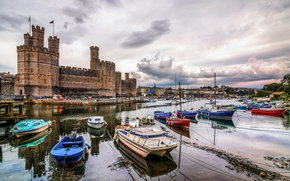 Picture the sky, clouds, castle, tower, boats, port, fortress, UK, Wales, Harbor, Caernarfon castle