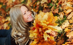 Picture lies, look, blonde, smile, leaves, girl, jeans, sweater, grass, autumn