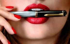 Picture lips, pen, makeup