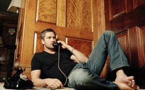 Wallpaper Wallpaper, star, jeans, Hollywood, wallpaper, old, phone, male, actor, the conversation, Gerard Butler, Gerard Butler, ...