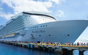 Picture The ship, Allure of the seas, The biggest cruise liner, The Allure Of The Seas