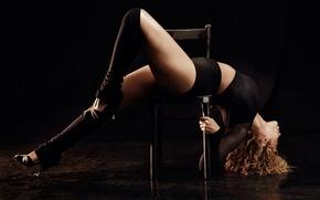 Picture pose, bending, singer, Beyonce