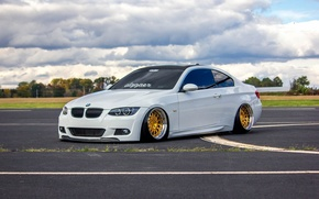 Picture bmw, BMW, turbo, white, wheels, gold, tuning, power, front, face, germany, e92, people