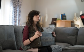 Picture House with paranormal phenomena 2, Ashley Rickards, A Haunted House-2