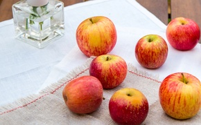 Picture table, apples, yellow, red, vase, fruit, tablecloth