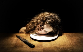 Picture head, plate, knife