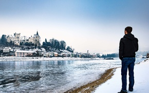 Picture winter, snow, man, castle, Austria, looking, Upper Austria, Ottensheim, Urfahr-Umgebung, River Danube