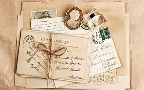 Picture vintage, the envelope, brooch, perfume, letters, cards, brand