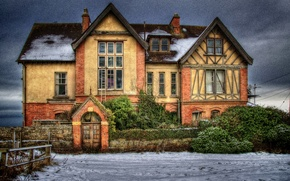 Picture the sky, clouds, snow, landscape, house, Windows, england