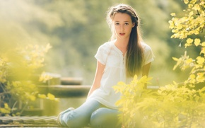 Picture autumn, eyes, look, girl, the sun, rays, light, face, feet, jeans, morning, girl, sitting