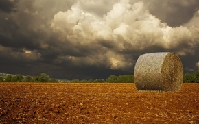 Picture field, clouds, storm