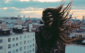 Picture girl, the city, the wind, Feel the wave