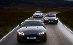 Wallpaper Movement, Aston Martin V8, Road