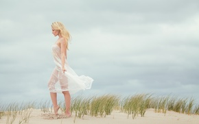 Picture sand, barefoot, dress