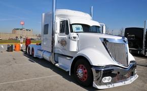 Picture white, truck, international, lonestar