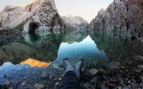 Picture water, mountains, mood, feet, calm, Lake, tourism