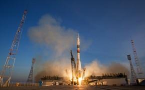 Picture space, start, Soyuz TMA-19M