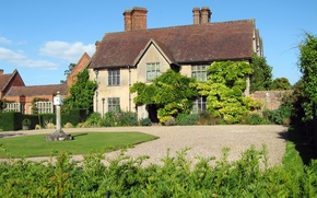 Picture greens, house, lawn, yard, UK, gravel, the bushes, Packwood House