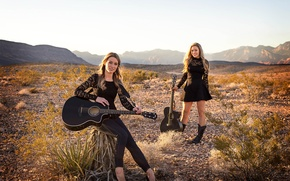 Picture guitar, sisters, musical Duo, Wildfire, Jill и Julia