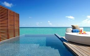 Picture sea, the sun, pool