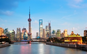 Picture bridge, the city, the evening, Shanghai